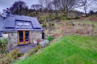 An external shot of Llechfraith Uchaf Annexe in the Snowdonia National Park