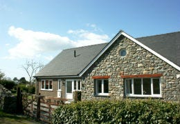 The outside view of Ty Lafant at Dyffryn Ardudwy