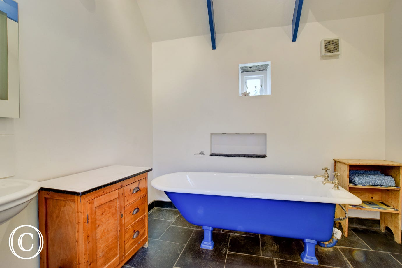 Ground floor bathroom at Ty'r Castell Coastal Cottage, Pembrokeshire