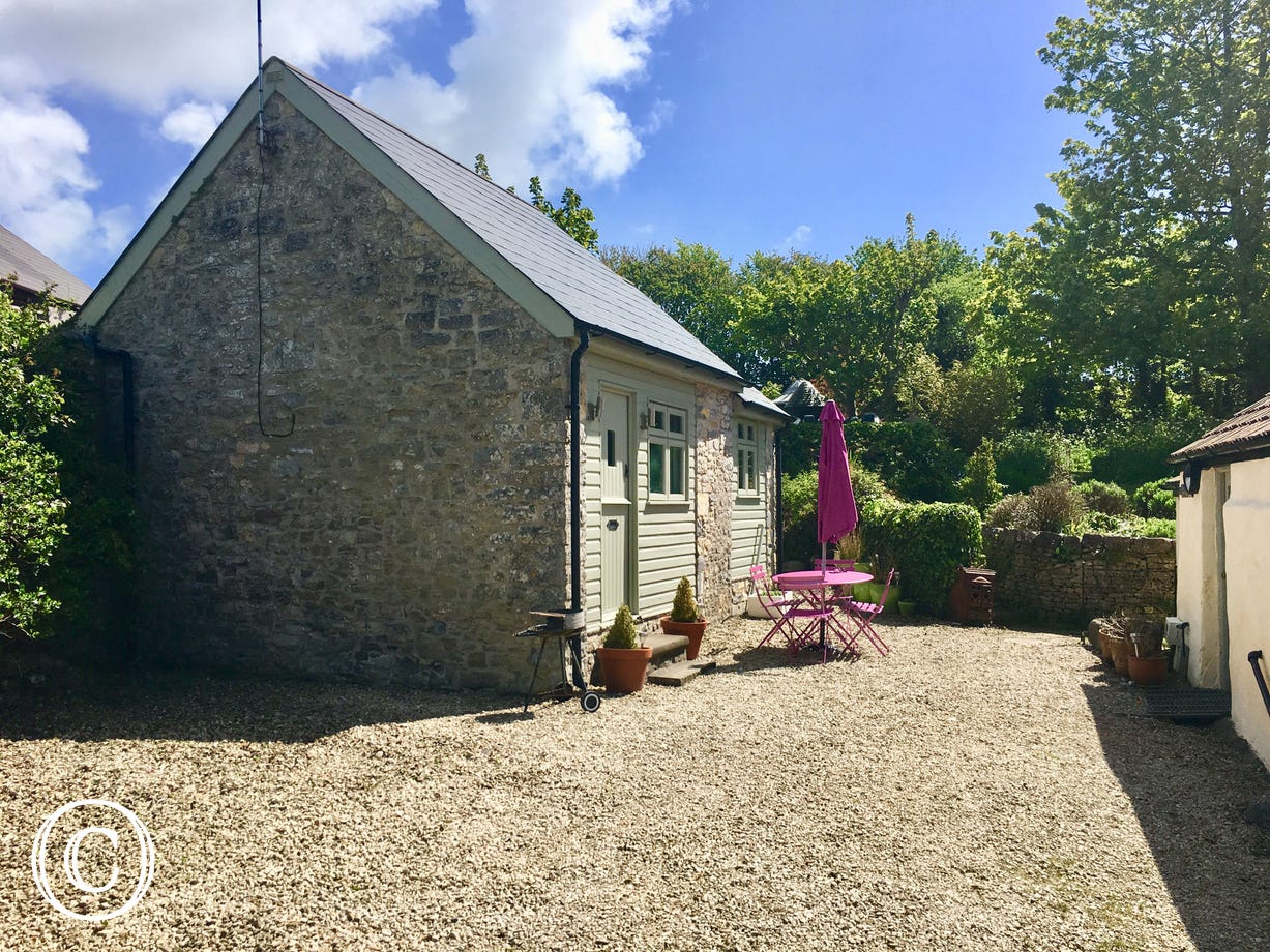 Llofft y Fro is a self catering Vale of Glamorgan cottage,