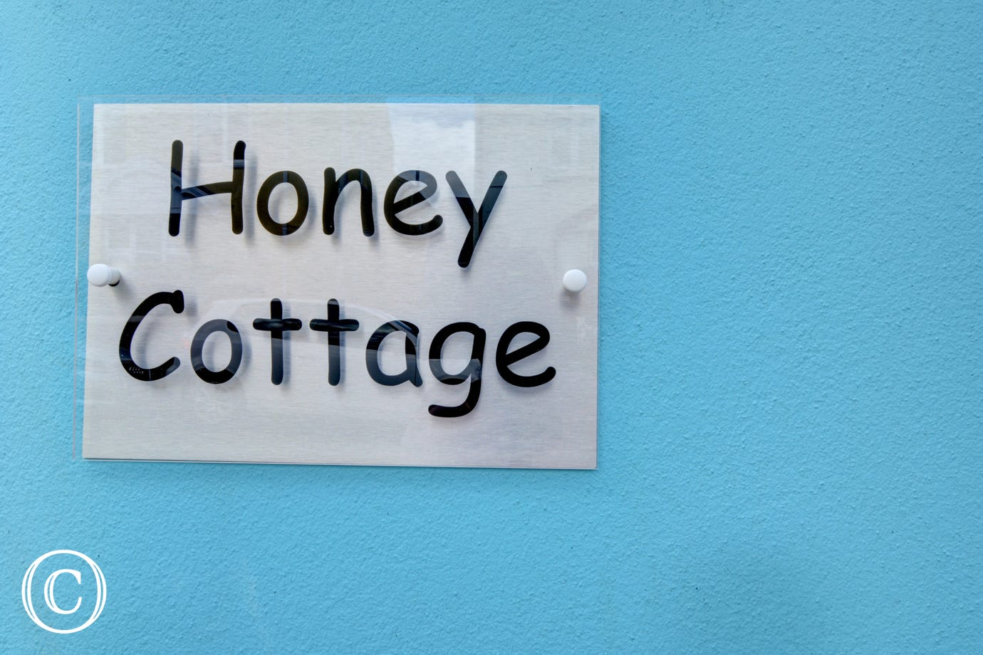 Honey Cottage is a super cottage, surprisingly spacious and so close to all the amenities of Tenby