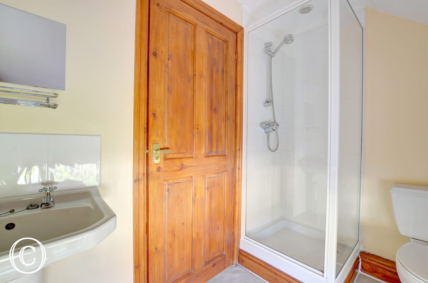 WAW243 - En Suite Shower Room 2