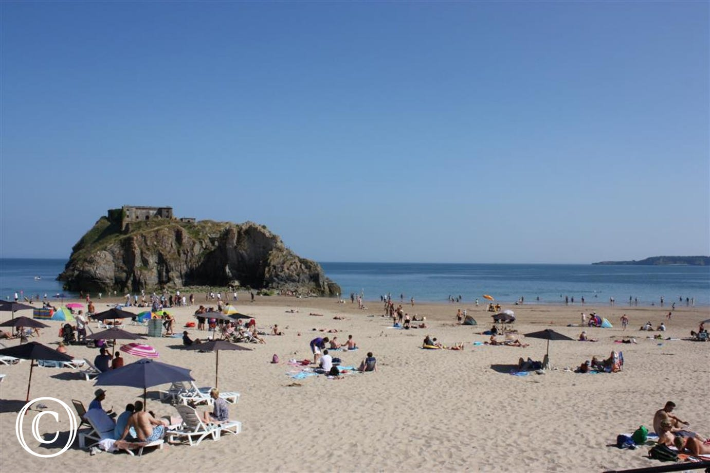 Beautiful beaches in Tenby to surf & sunbathe.