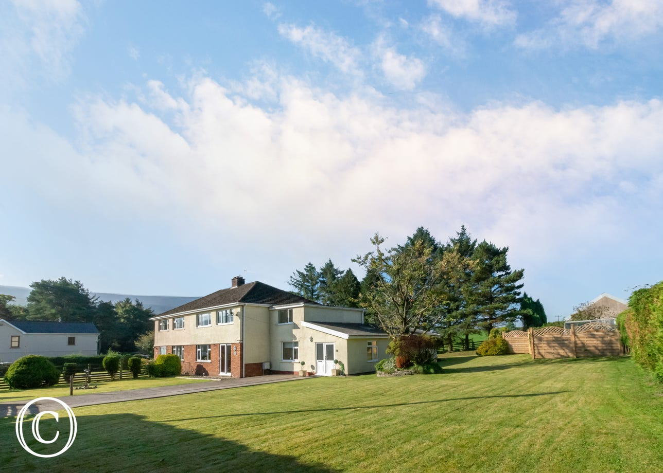 Located on the edge of the Brecon Beacons National Park and near great mountain biking
