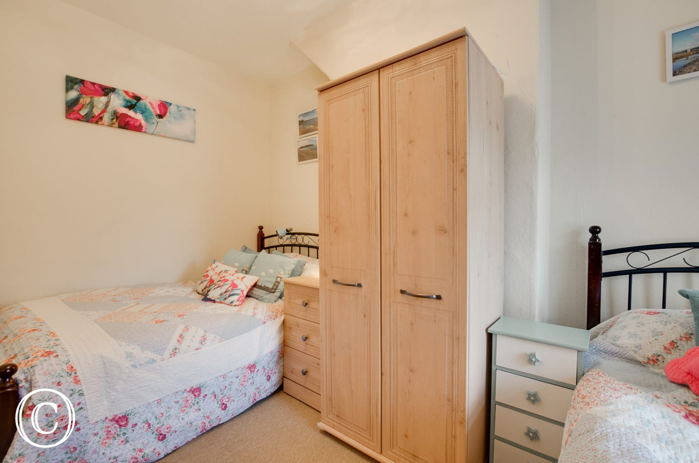 Compact twin bedroom