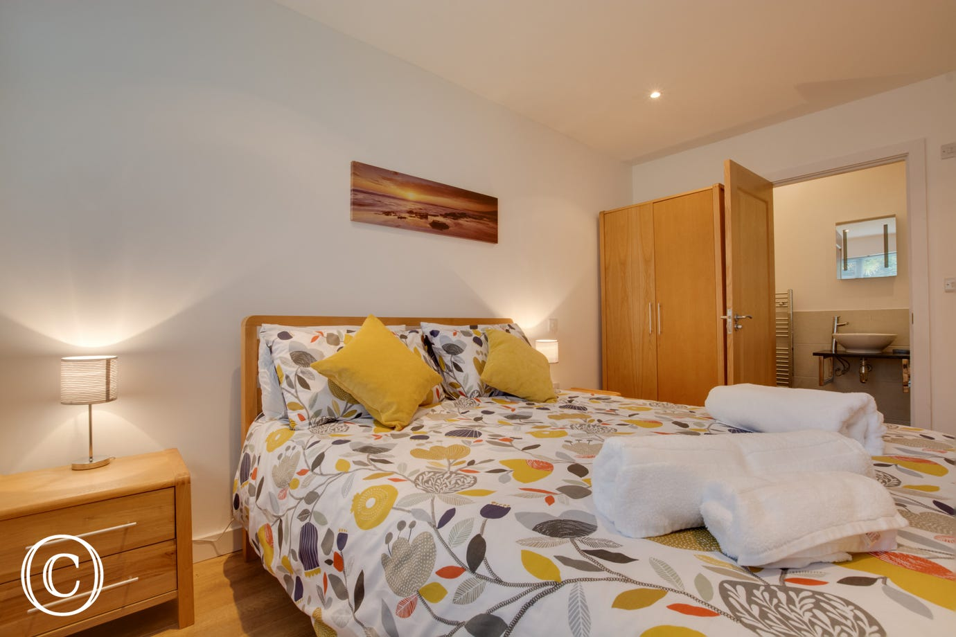 Saundersfoot holiday accommodation for 5. Double bedroom