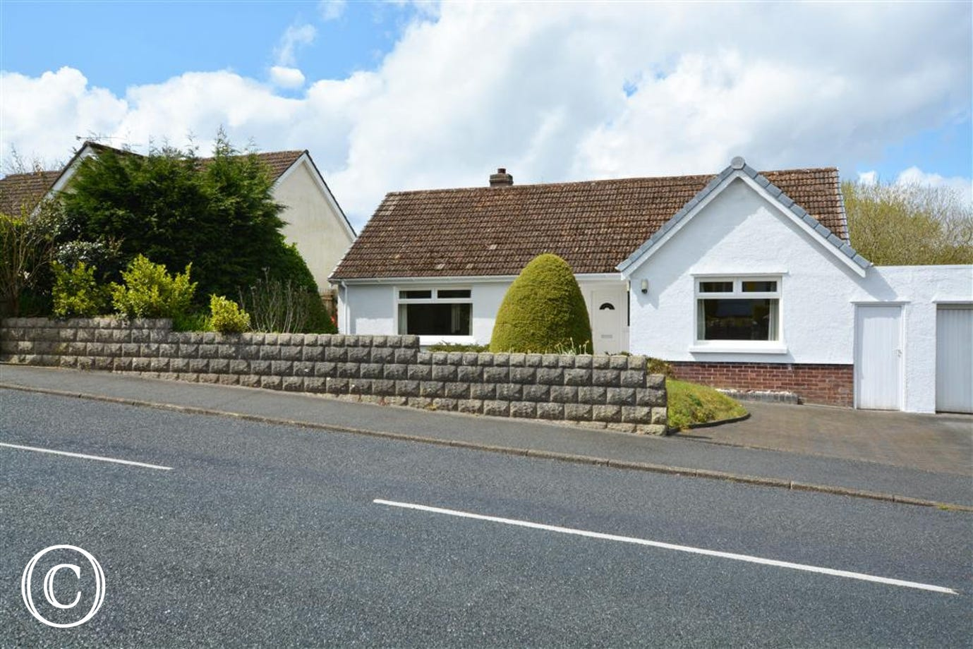 Ocean Point is a lovely 3 bedroom bungalow in Saundersfoot