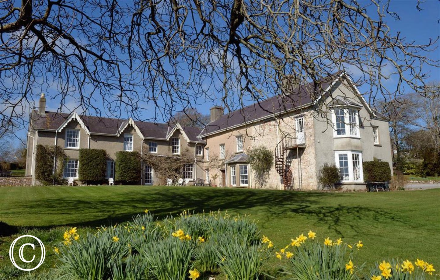 Penmaen Manor House is set in a perfect position overlooking Three Cliffs Bay.