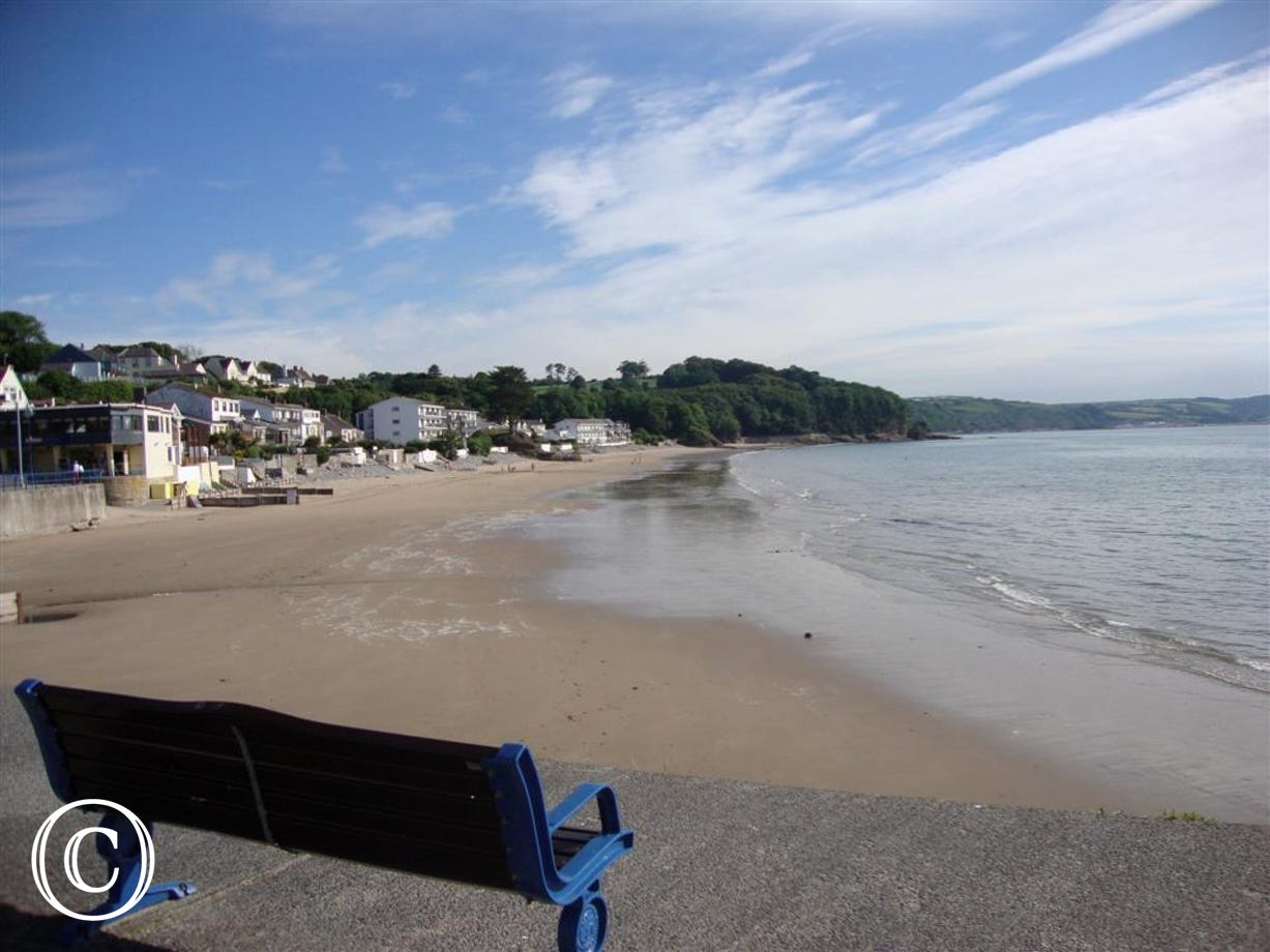 Sandy beach, shops and restaurants at Saundersfoot less than a mile away