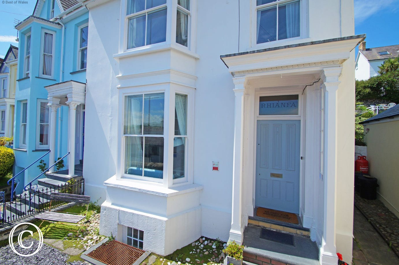 Large self catering house in New Quay, West Wales
