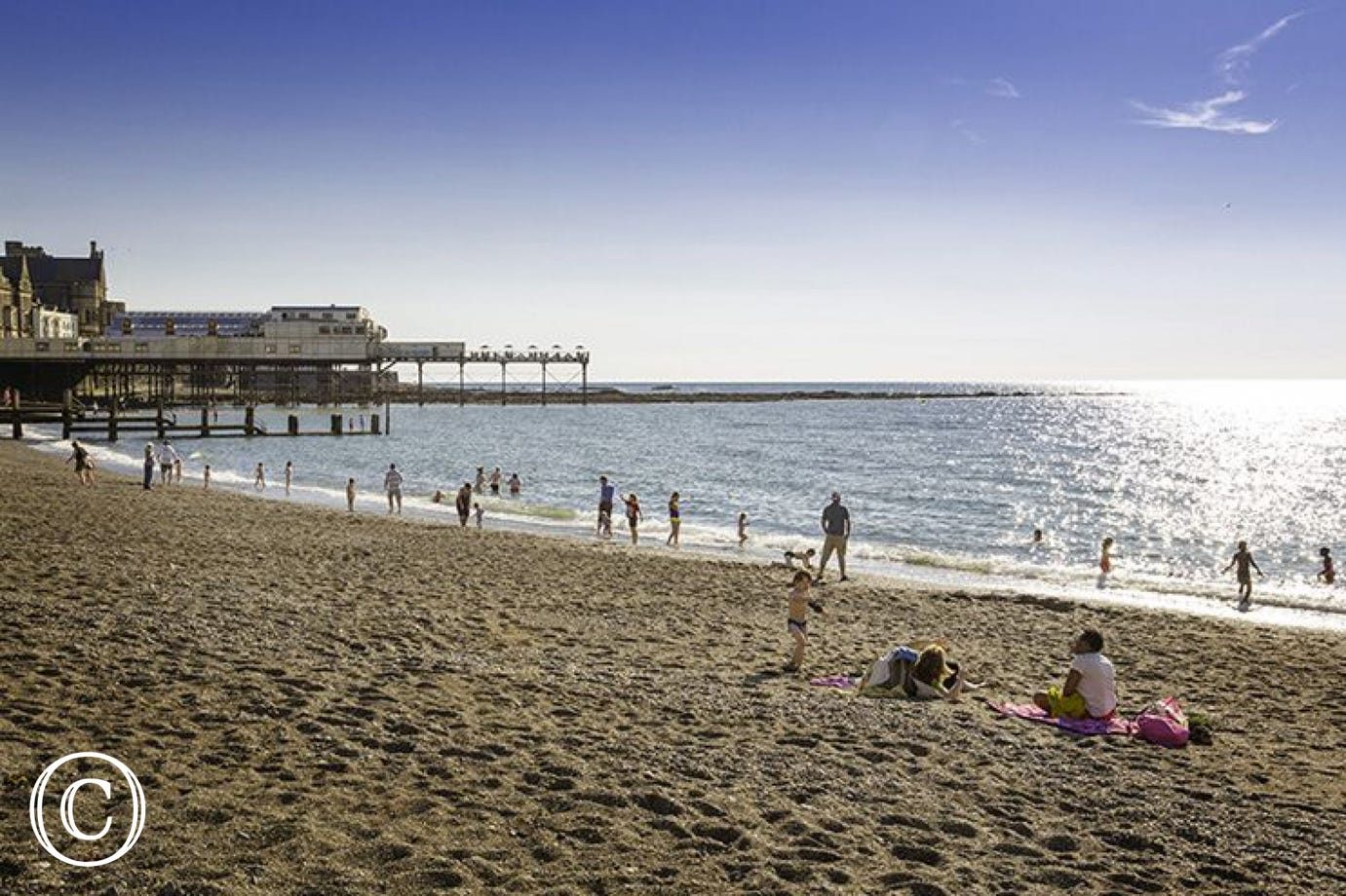 Aberystwyth beach and Pier - a reaxing day out & lovely cafes