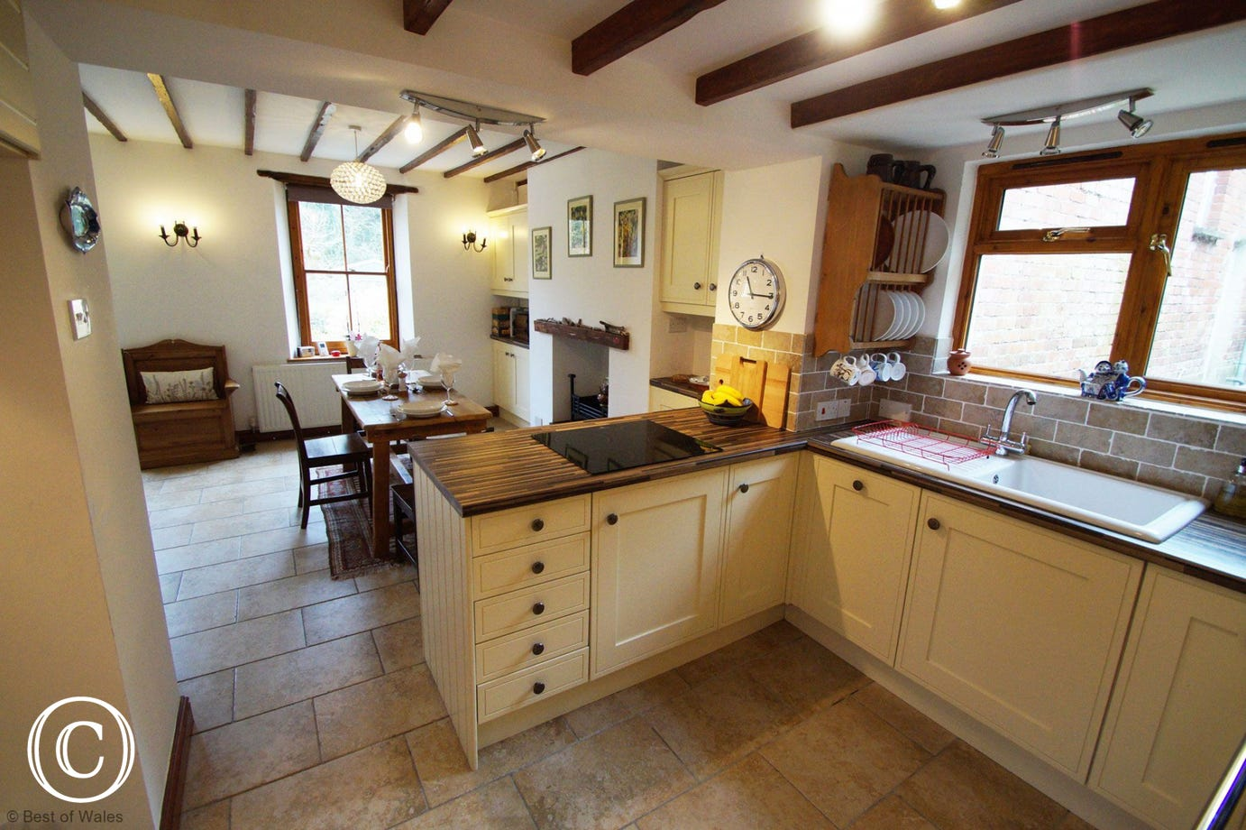 Open plan kitchen diner - Holiday Cottage in Llangwm