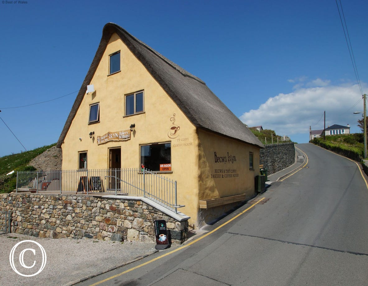 Becws Islwyn's thatched roof bakery and coffee shop in Aberdaron