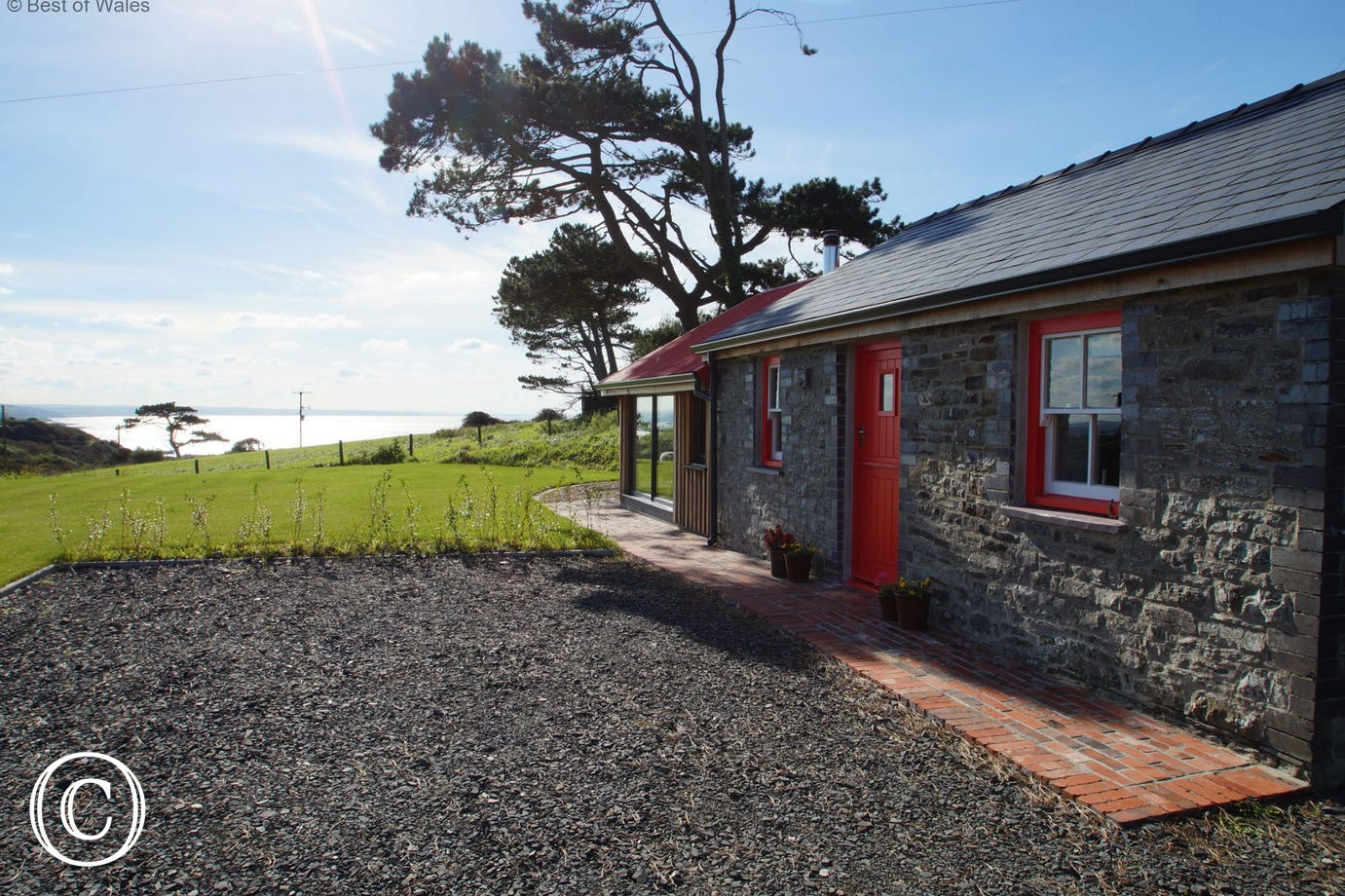 Romantic Aberystwyth self catering accommodation with sea views