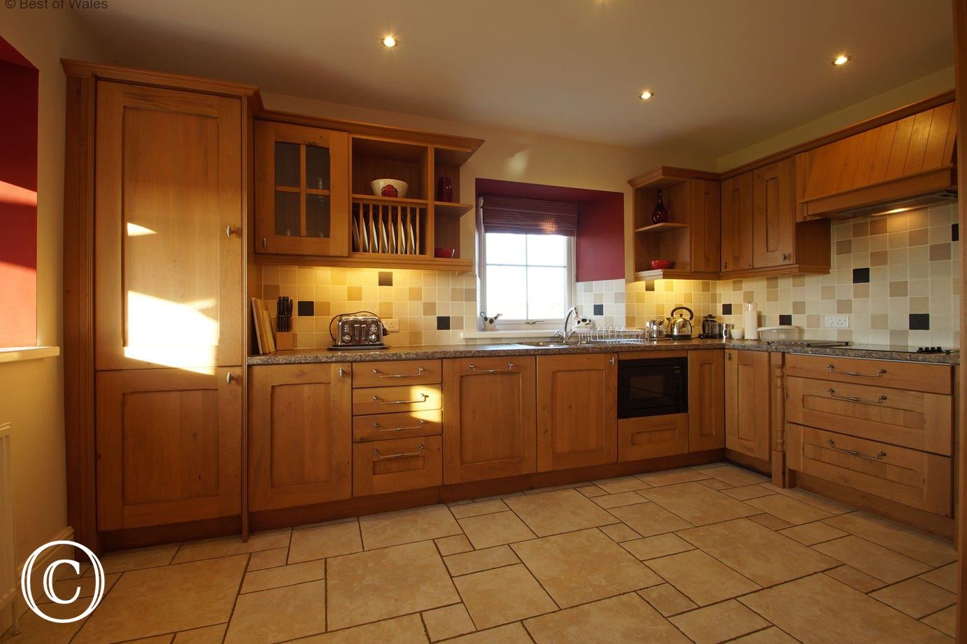 Fully equipped kitchen includes a dishwasher, fridge-freezer & double oven