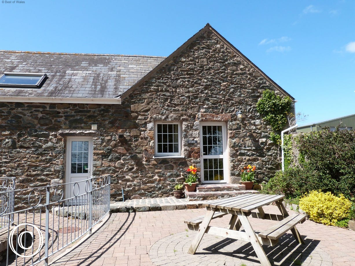 Stabal y Sarn, the second of three beautiful North Wales self catering cottages