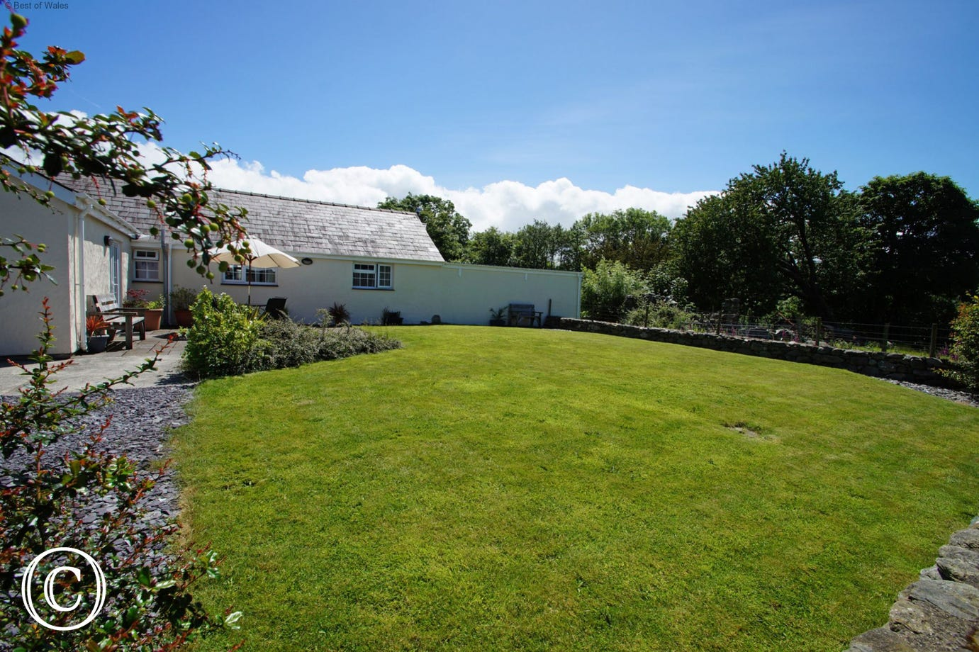 Your self catering Snowdonia cottage has a spacious, enclosed garden