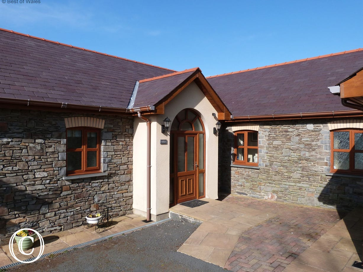 Blaenlli holiday cottage Aberystwyth. Beautiful countryside setting.