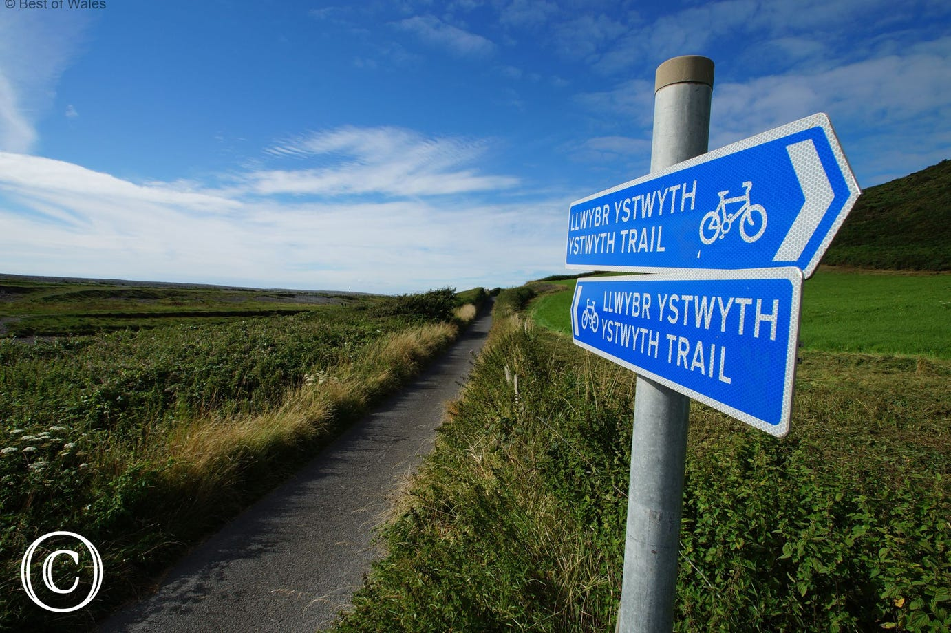 The Ystwyth Trail to Aberystwyth and Tregaron can be accessed 0.5 mile from your cottage