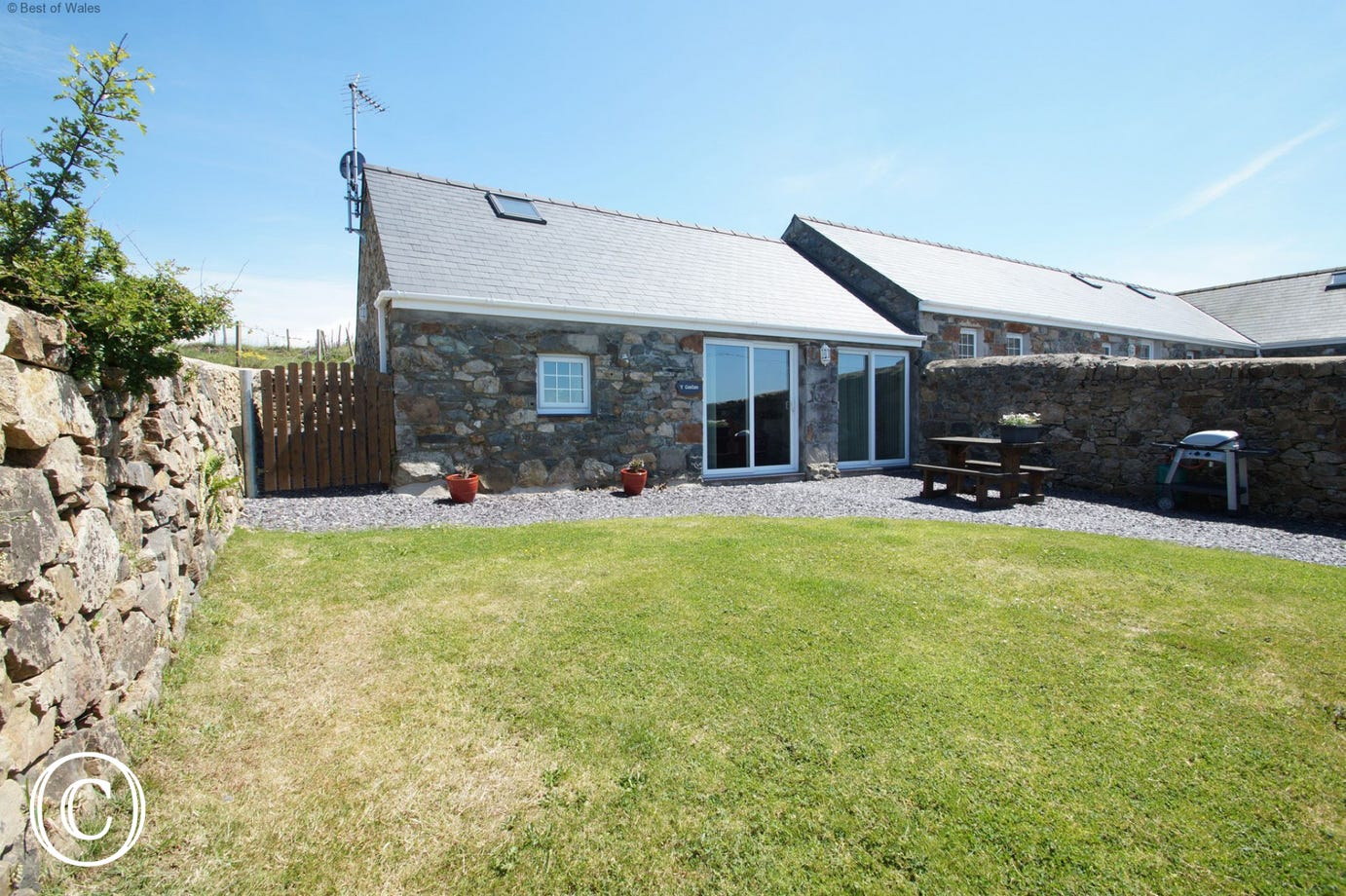 Beautiful, enchanting cottage offering luxury self catering Llyn Peninsula