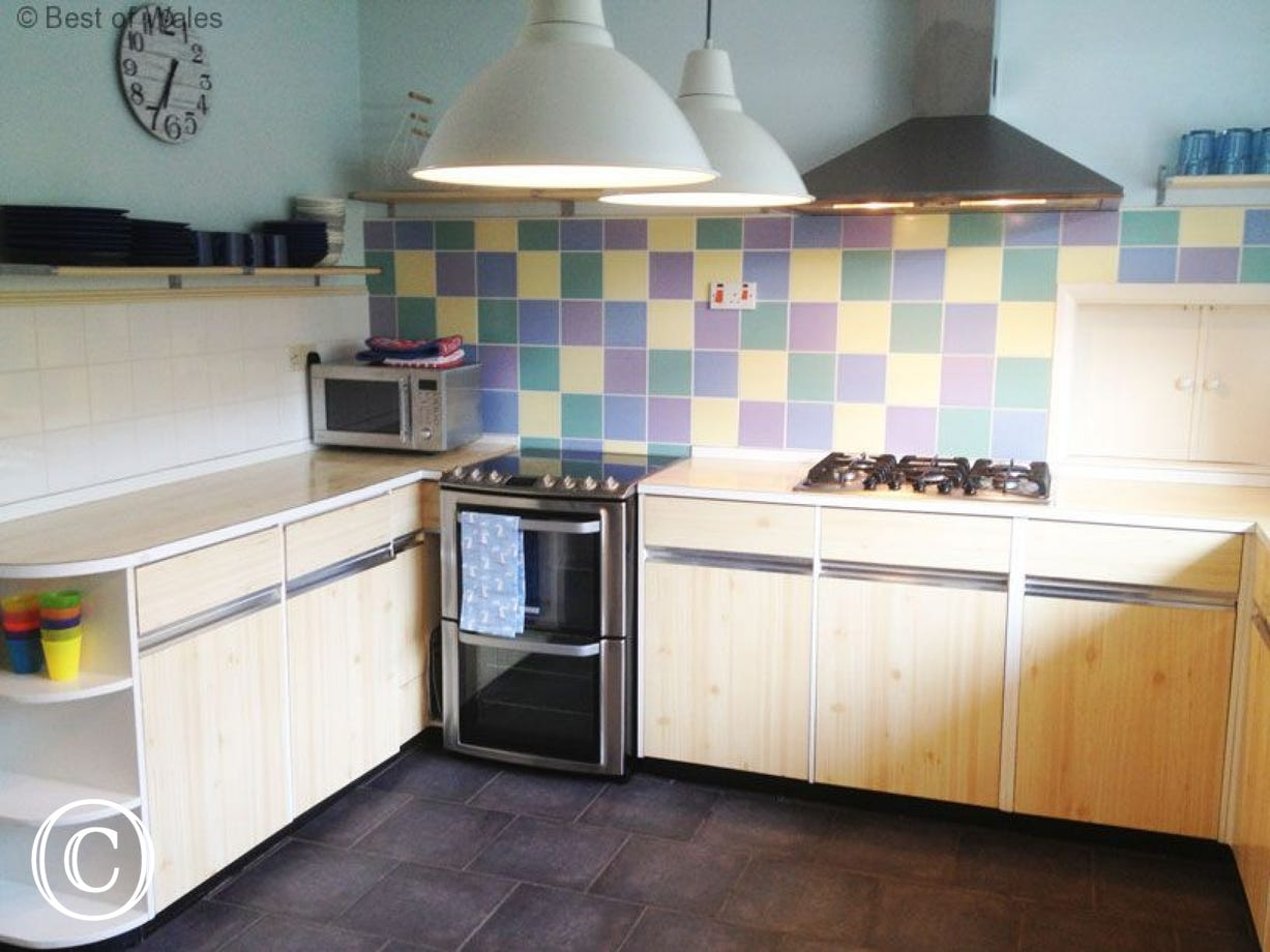 Newport self catering  - Kitchen