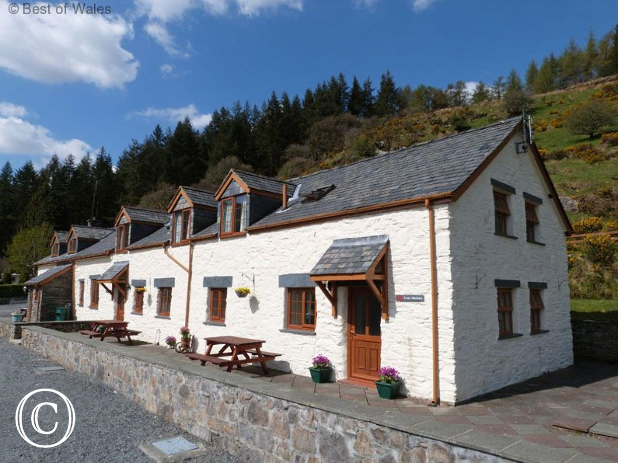 Beautiful Betws y Coed self catering cottage with stunning views