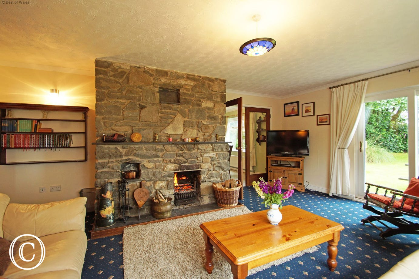 St Davids Self Catering Cottage  - Lounge