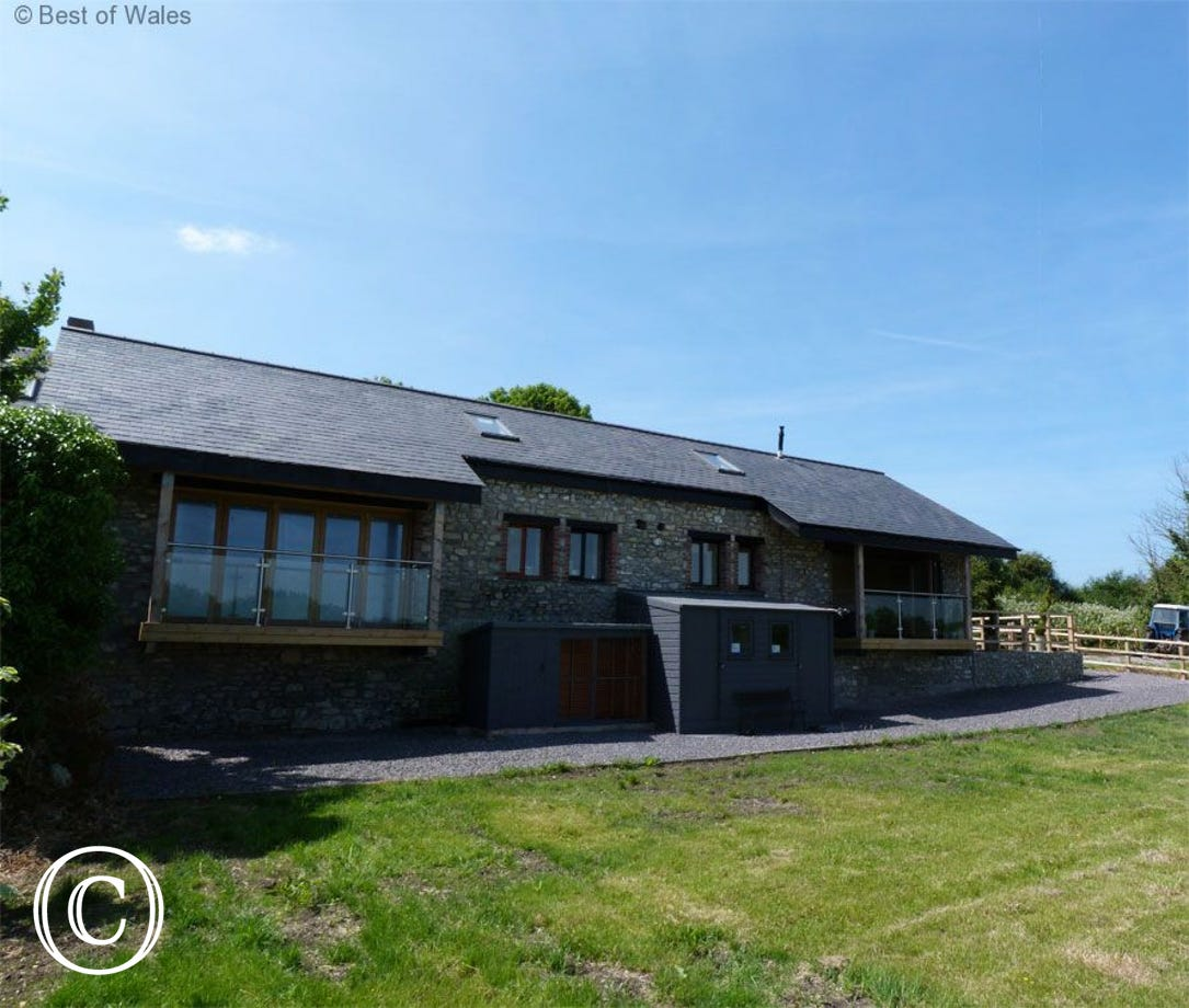5 star Barry Holiday Cottage