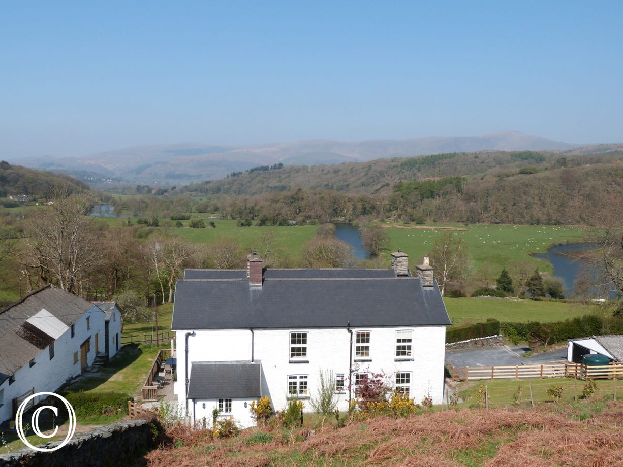 Plas Rhiwlas - situated in the picturesque surroundings of the Dyfi estuary