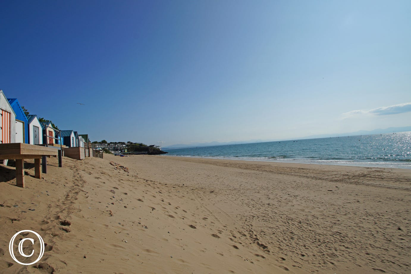 Just a 10 min walk to Abersoch beach; great for bathing and watersports.