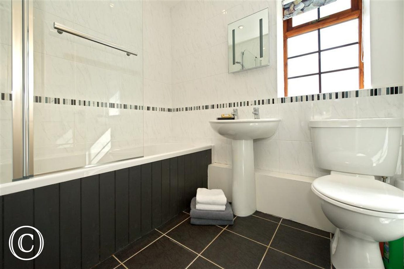 YBETWS - Bathroom
