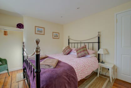 Holiday cottage in Hay on Wye. - Master bedroom