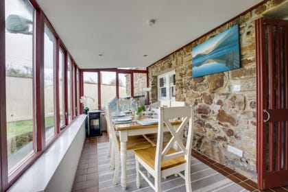 Little Haven Holiday Cottage -  conservatory  / sun room
