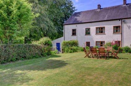 2 Stag is a four-bedroomed house with a large lawned garden