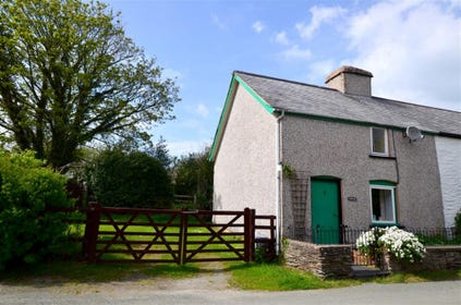 Moelfre Cottage is a semi-detached cottage on the edge of the little village of Darowen near Machynlleth