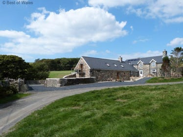 Self catering Tywyn cottage - the perfect blend of luxury and location
