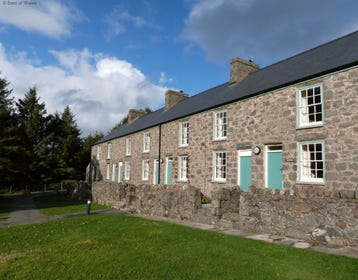 Enjoy a relaxing break for 2 at this sea view cottage in Nant Gwrtheyrn