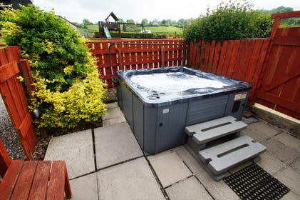 Maes y Felin self catering Chepstow cottage with luxury hot tub