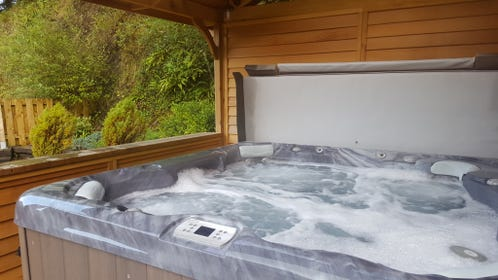 Aberystwyth self catering holiday accommodation with a hot tub