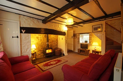 Lovely self catering Mid Wales cottage in beautiful countryside