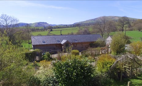 Holiday Cottage in Mid Wales with panoramic views of Mid Wales countryside